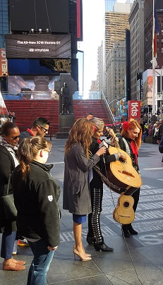 New York Guitarrone auf dem Time Square